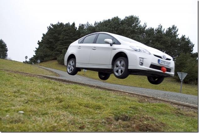 08-Toyota-Prius-640x428